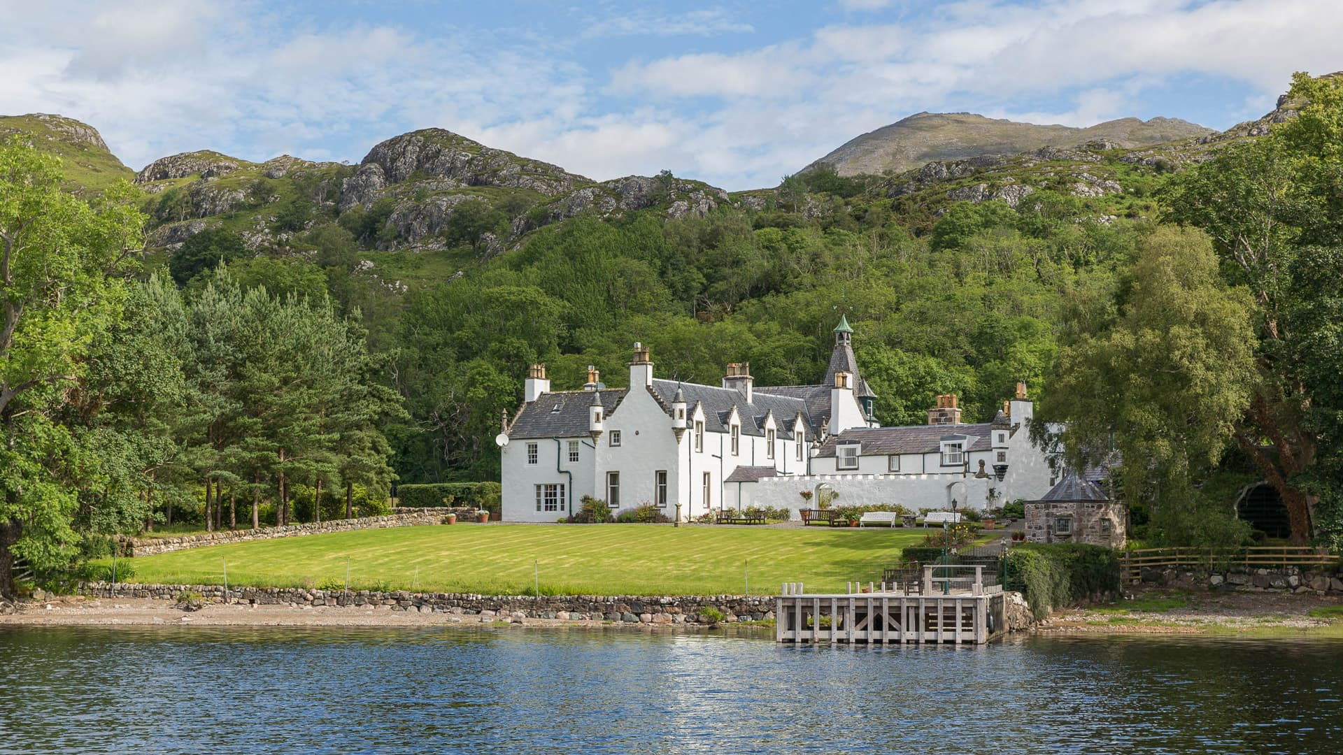 Luxury lodge for rent in Scotland
