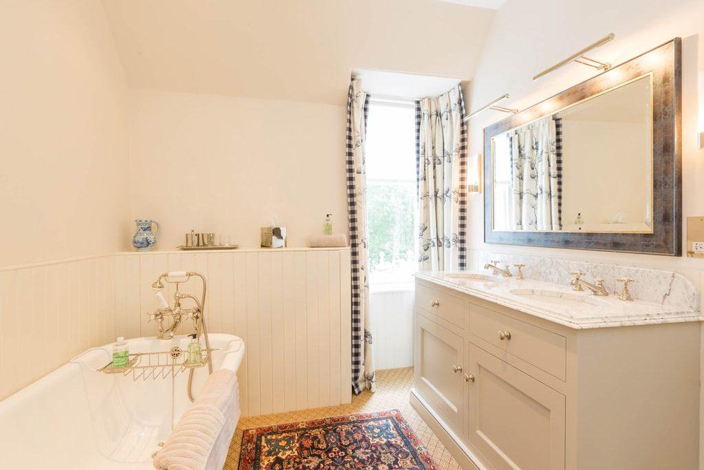 Bathroom luxury lodge
