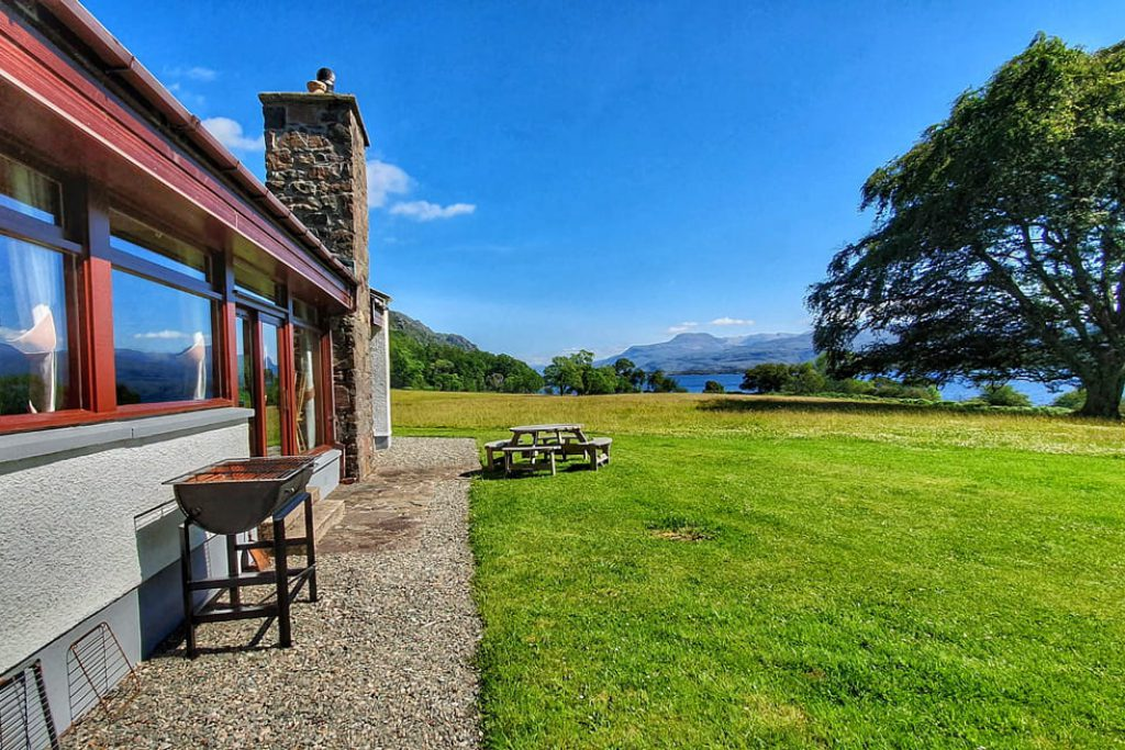 Ardlair lodge for rent for hunting, fishing and as a wedding venue