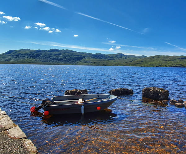 Lodge by the sea - Loch Maree